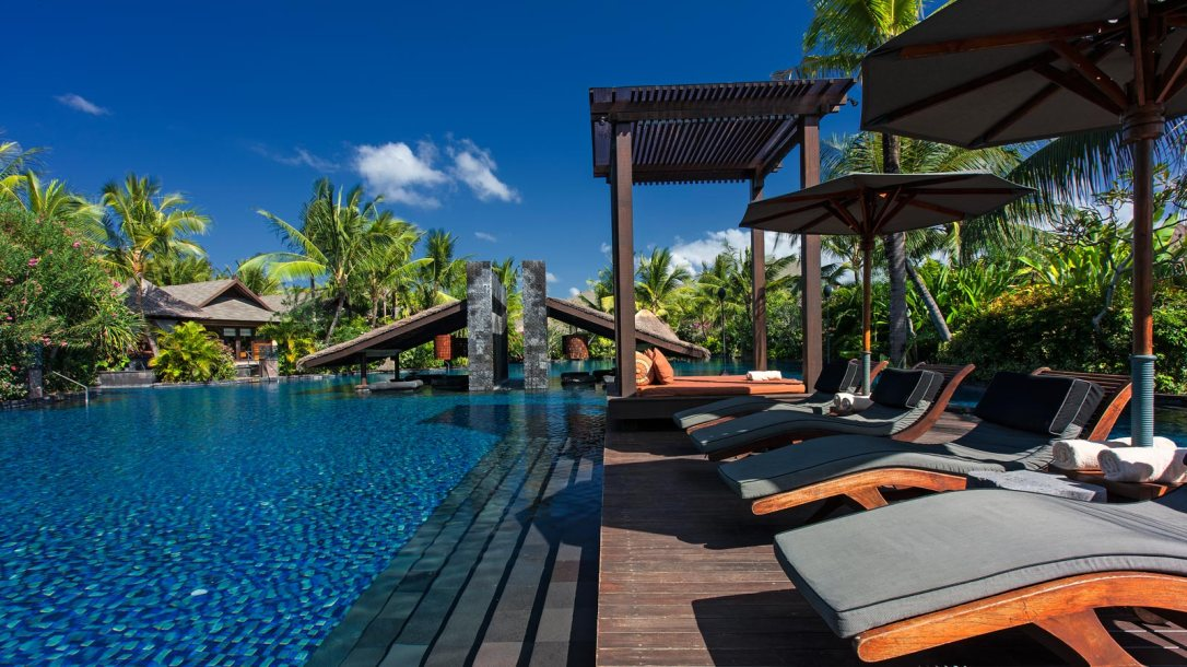 Part of the pool. (pic from St. Regis website)